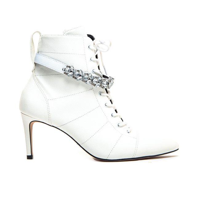 bota-branca-feminina-feminina-cano-medio-salto-fino-Cecconello-1685003-8-a