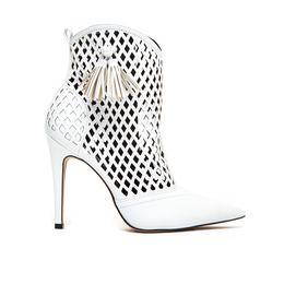 bota-feminina-branca-cecconello-1676008-1-a