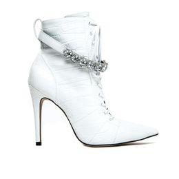 bota-branca-feminina-cano-medio-salto-fino-Cecconello-1676005-11-a