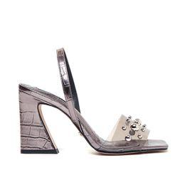 sandalia-vinil-feminina-prata-velha-cecconello-1699004-2-a