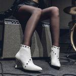 bota-branca-feminina-cecconello-1692008-1-c
