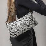 bolsa-cow-print-couro-branca-feminina-cecconello-2931-3-b