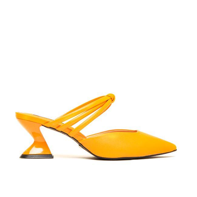 14429349986-mule-feminino-laranja-cecconello-1791004-2-a
