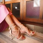 sandalia-feminina-creme-amarrar-perna-cecconello-1813001-2-c